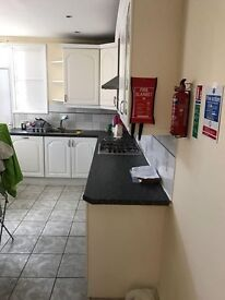Nice single room in a newly refurbished house with all bills included