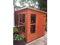 Potting shed 3 month old excellent condition