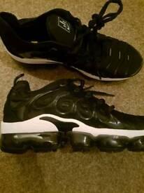 416575e88aca Nike air vms grey last 2 pair size 8 9