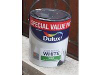 DULUX 3 LITRES WHITE SILK PAINT