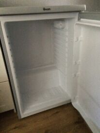SMALL FRIDGE FOR SALE GOOD CONDITION