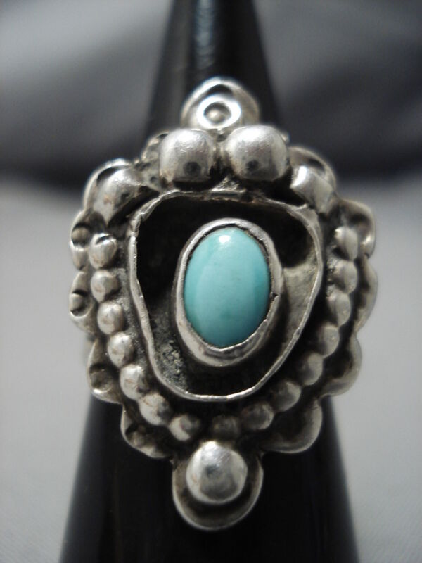 VERY UNIQUE!! FABULOUS VINTAGE NAVAJO DOMED TURQUOISE STERLING SILVER RING OLD