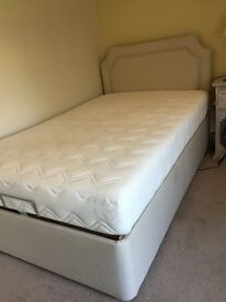 HSL nearly new fully adjustable 4ft / small double bed.