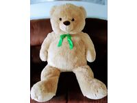 Gorgeous super soft giant teddy bear. Aprox 130cm