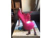 Size 4 shoe boots -new
