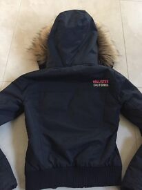 (KIDS) GIRLS HOLLISTER COAT SIZE XS **LIKE NEW**