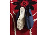 Men's canvas slip on shoes in size 10