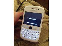 White Blackberry Curve 9320 VIRGIN MOBILE PHONE