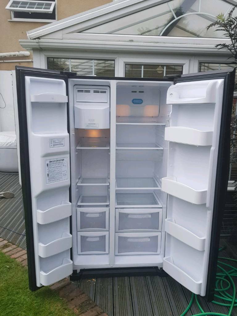 Daewoo American fridge freezerin Crosby, MerseysideGumtree - Daewoo American fridge freezer spare or repair works ok only issue is freezer not as cold as should be been told just need defrosting properly easy fix for someone in the no other wise clean an tidy