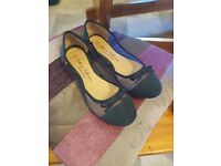 Navy blue ladies size 5 dolly shoes
