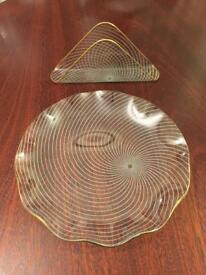 Cake plate and napkin holder