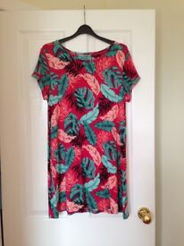 Three tops.Excellent condition. Size 14/16..£10 for three or £5 each.