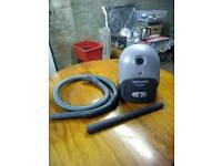 1300 watt cylinder vacuum cleaner