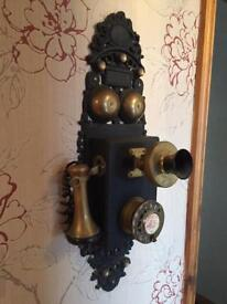 Antique style working telephone