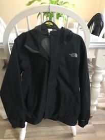 Boys North Face coat size M.