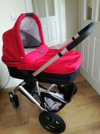 Britax SMILE pushchair, carrycot, carseat with isofix base plus accessories