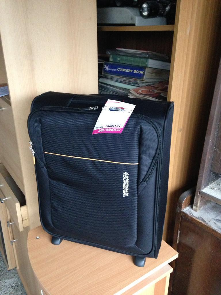 San Francisco American Tourister Cabin size suitcase luggage bag wheels