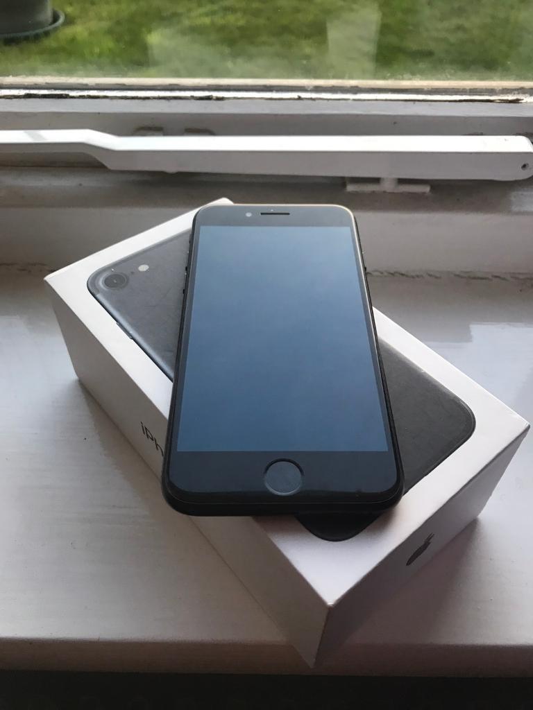 Apple iPhone 7 128GB Matte Black Boxed