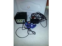 Nintendo Gamecube + mains adapter +leads + controller