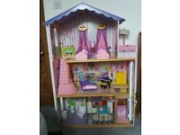 Kidscraft dolls house. Perfect condition. With furniture. Great for Barbie size dolls