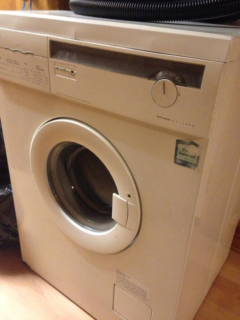 Zsi Washing Machine Old Style With Hot And Cold Pipes