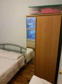 Single room including all bills close to Maryland Station and Stratford centre buses