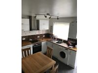 2 bedroom house in Uxbridge ( UB10 )