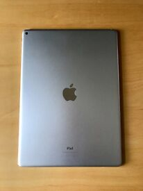 Apple iPad Pro 12.9 WIFI 128GB Silver in MINT Condition with Apple Silicone Case