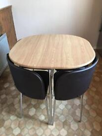 Compact table & 4 chairs