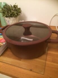 Large 8l tough non stick cooking pot, brand new