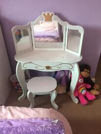 Gorgeous kidkraft princess vanity table