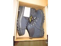 NEW & BOXED Women's Chris Brasher walking Boots Size 7