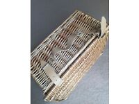 Wicker / Hamper / Picnic Basket