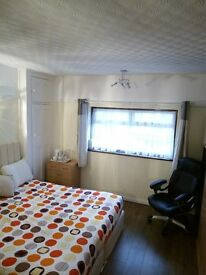 2 double bedrooms to rent in SW20 - from £500pcm incl. bills