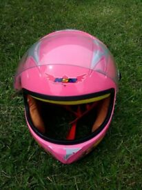 Kids pink full face like motorbike helmet excellent condition