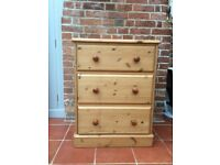Solid pine 3 drawer chest