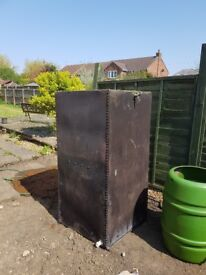 Old oil tank been used for rain water. Water tight and valve good