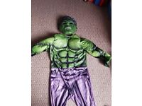 Hulk costume size 6-7 but more a 5-6