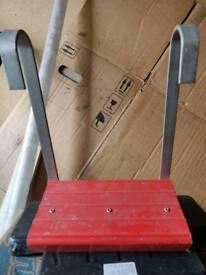 Comfy step for ladder
