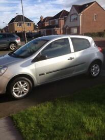 Silver Renault Clio , MOT October 2018 , good condition, great running car , low mileage ,