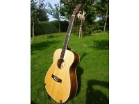 Excellect condition, Solid Spruce top, James Neligan acoustic guitar