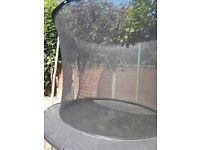 8ft Trampoline & enclosure