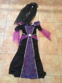 Spooky gown and headdress. Age 9-10.