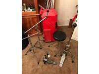 2x cymbal boom stands. Tama hi-hat stand Mapex throne, Sonor pedal. Hard shell, wheeled case