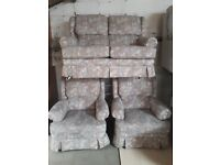 flower pattern sofa and 2 chairs vgc . must go £75 ono