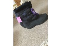 Snow/ Yard boots size 6 New with Tag