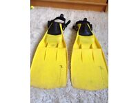 Flippers (2 pairs) + snorkel tubes. Yellow Hurricane extra large & 1 Compro graphite size 5-6 (40-42