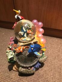 Disney nemo snow globe
