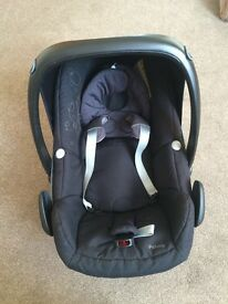 Maxi cosi pebble car seat with rain cover