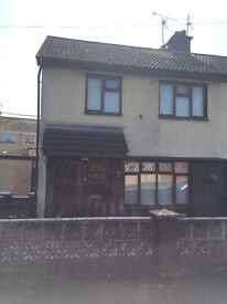 3 bedroom property for rent at 37 the Crescent, Coleraine (near town centre)